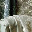На фото: модель Queen Anne vine 01 от фабрики Chelsea Textiles.