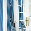 На фото: модель Laurelton Stripe porcelain blue от фабрики Designers Guild.