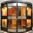 Радиусная гардеробная Orange фабрики Lumi.