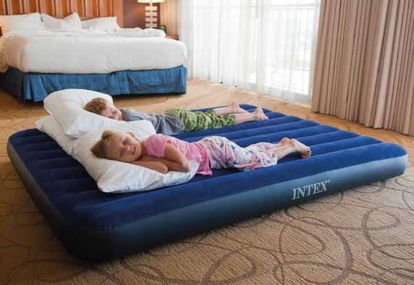 Флоковое покрытие позволяет использовать матрас как вместе с постельным бельём, так и без него