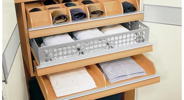Наполнение шкафа (41 фото): выдвижные ящики и корзины для шк.