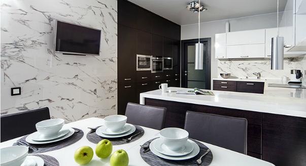 Где лучше разместить телевизор и радио в кухне?