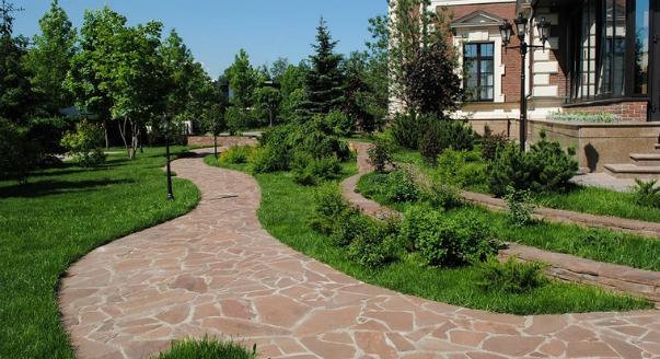 как украсить садовые дорожки