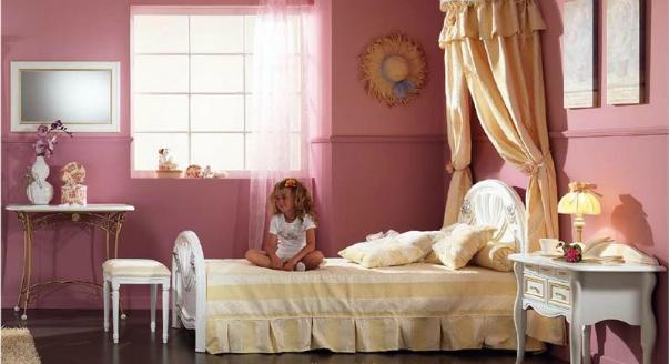 На фото: Кровать Angelica 4 от фабрики Forni mobili. Балдахин на детскую кроватку