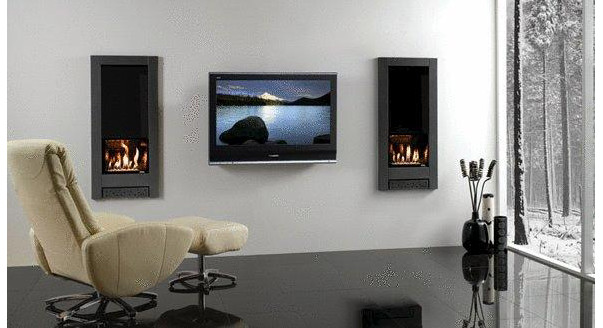 Телевизор над камином
