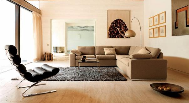 Бежевый диван в интерьере фото