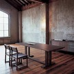 Стол Velasca от фабрики Seven Salotti, дизайн Asnago Umberto.