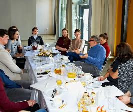 Rehau пригласила на завтрак дизайнеров