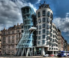 <strong>5</strong> удивительных зданий «с изюминкой»