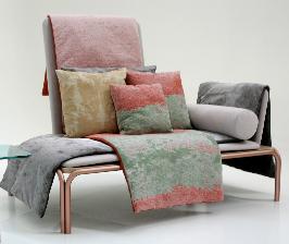 Как, чем и зачем состаривают ткани и мебель
