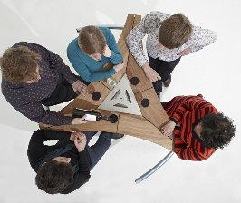 Объединяющая мебель