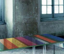 <strong>26</strong> цветных стеклянных обеденных столов