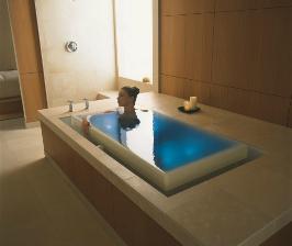 Ванна с переливом от Kohler