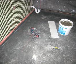 Шаг 14. Делаем мокрую стяжку и гидроизоляцию в ванной