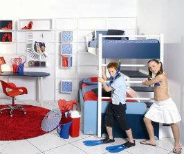 <strong>15</strong> комплектов мебели для школьника