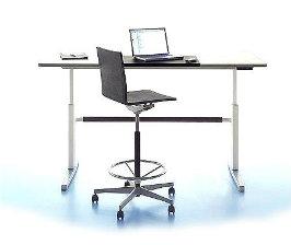 <strong>14</strong> компьютерных столов: решения в современном стиле