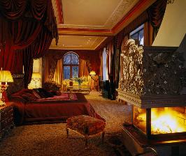 <strong>13</strong> советов, как утеплить спальню силами декора
