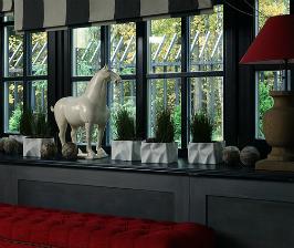 Оформляем окно в холле и коридоре