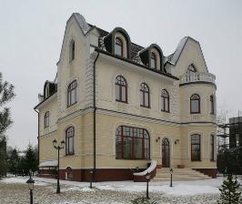 <strong>17</strong> проектов с арочными окнами