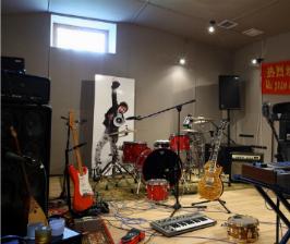 Обустраиваем студию звукозаписи или домашний кинотеатр в доме: 5 советов