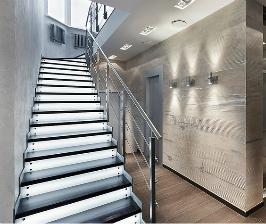 Освещение интерьерной лестницы: возможны варианты