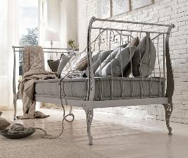 Мебель на металлическом каркасе: возможны варианты
