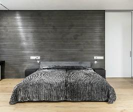 Интерьер в деталях: спальня в серых тонах
