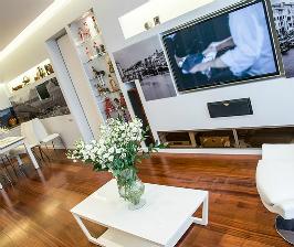 Квартира с большой гардеробной в спальне: дизайнер Дмитрий Дембовский