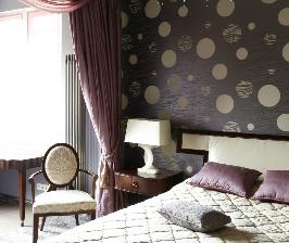 Спальня с выходом на балкон: дизайнер Анна Яровикова