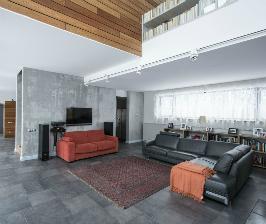 Дерево – материал для фасада частного дома в Подмосковье: дизайнер Сергей Павлов