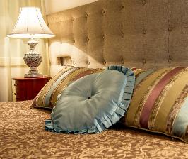 Красивые дизайны спален – пример для небольшой комнаты: дизайнер Наталия Сысоева