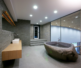 Ванная с панорамным окном: дизайнер Мирослава Мисанюк