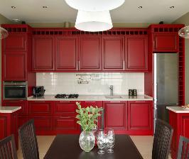 Кухня в красном цвете: дизайнер Наталия Казакова