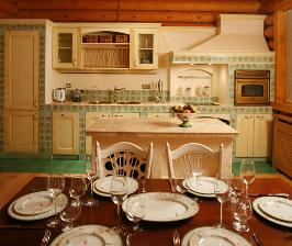Кухня-гостиная в деревянном доме: дизайнер Светлана Панарина