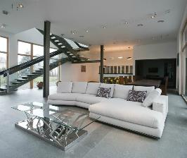 Дом на берегу водоема с винотекой: дизайнер Мирослава Мисанюк