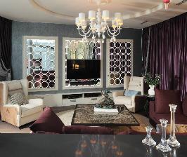 Интерьер квартиры с акцентом на декор стен: студия дизайна NotaBene