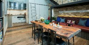 Идеальный дом №18: лаконичная квартира с террасой на крыше в Лондоне