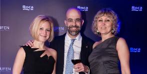 Roca уcтроила праздничный вечер для друзей