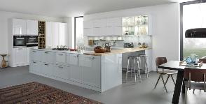 Белые кухни в интерьере