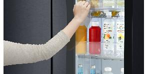 Премиальные холодильники LG INSTAVIEW™ DOOR-IN-DOOR®:  теперь в черном матовом цвете