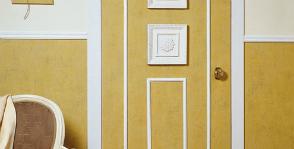 Дверь с лепниной