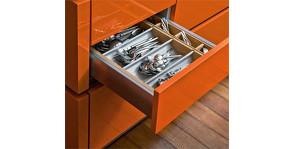 Вкладыши для кухонных ящиков: какие и зачем?