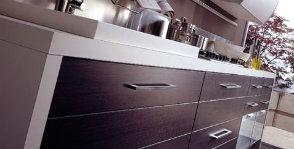 Нижний ярус: 7 советов, как организовать пространство кухонных шкафчиков