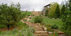 Лестница «на газоне»: 3 идеи по организации