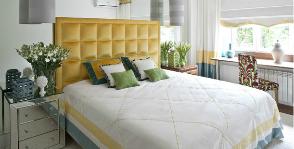 Как добавить спальне объема: 7 простых приемов
