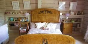 Спальня с антикварной мебелью для девочки: дизайнер Оксана Маленко
