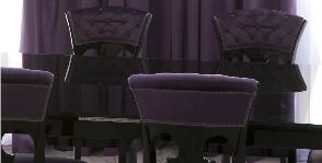 Хрусталь и фиолетовые шторы в гостиную: дизайнер Олег Бахметьев