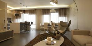Квартира в новостройке с окнами в высоту стен: дизайнер Ксения Янькова