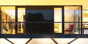 Реконструкция загородного дома: мастерская 4a Architekten