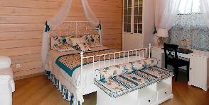 Спальня в белых тонах: дизайнер Анастасия Олюшина